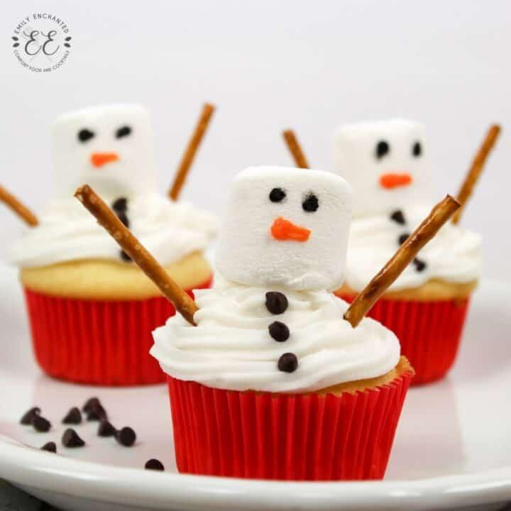 Snowman Cupcakes   Christmas Cupcake Recipe